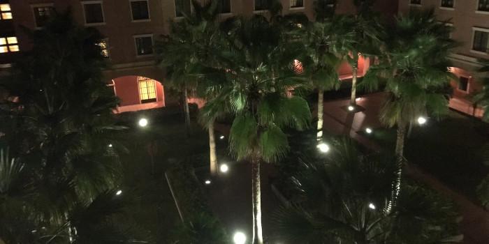 パームテラスホテル 中庭